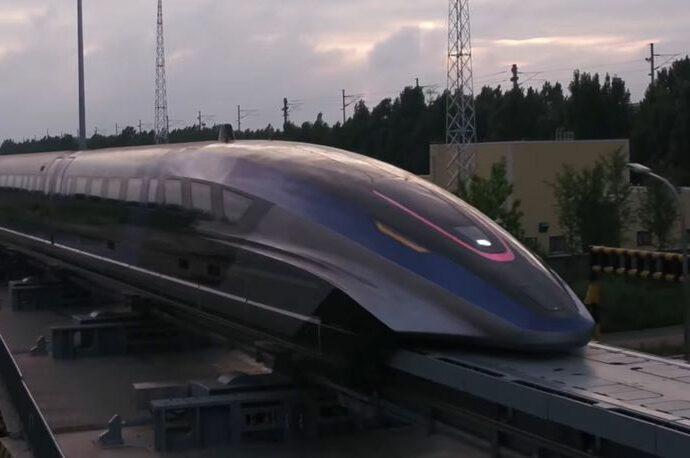 (ВИДЕО) Само за два часа ќе помине 1000 км – Кина го претстави најбрзото копнено возило во светот