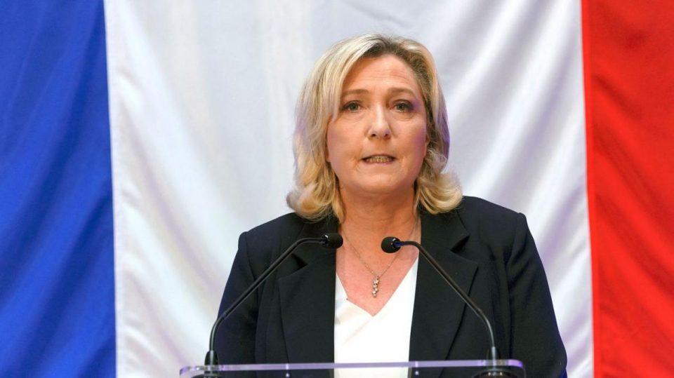 """Марин Ле Пен реизбрана за лидер на """"Националниот собир"""""""