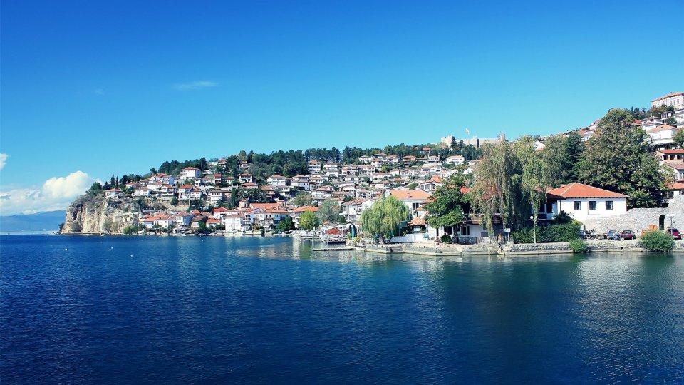 На Охридското езеро му се заканува катастрофа