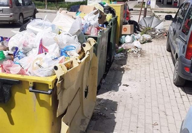 (ФОТО) Во ек на летната сезона ѓубре на сите страни во Охрид