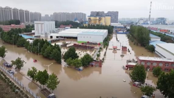 (ВИДЕО) Хорор предизвикан од поплавите во Кина