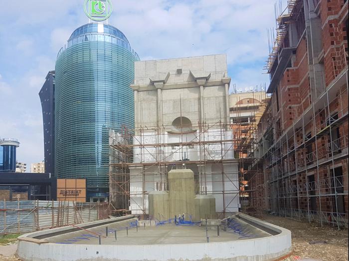 Ватикан бара да се догради споменикот на Мајка Тереза на плоштад