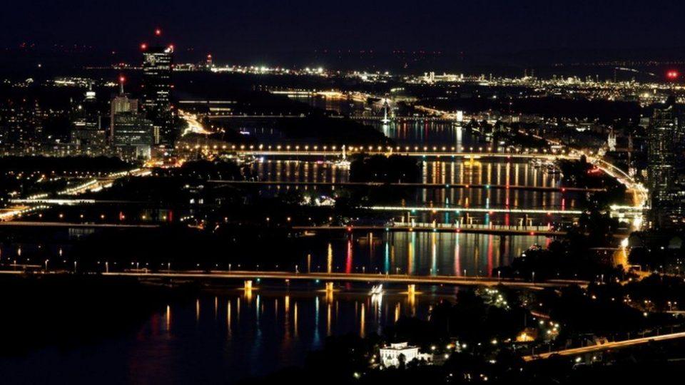 Мистериозна болест се шири меѓу американските дипломати во Виена