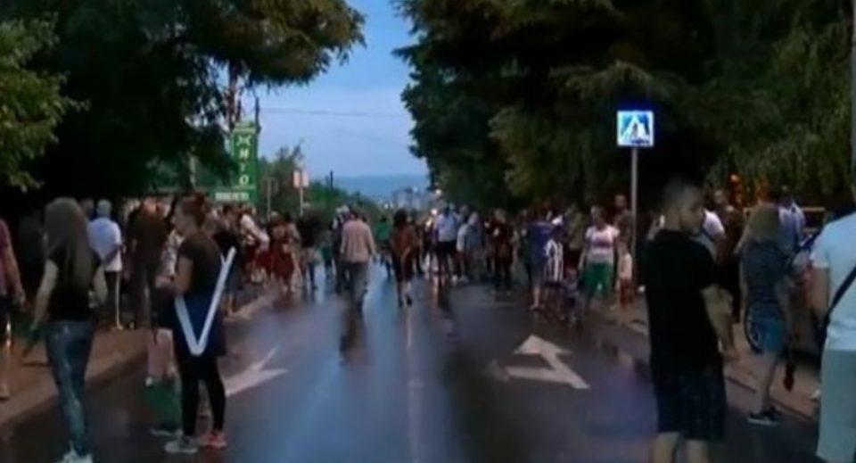 Граѓани од Железара на протест, од надлежните бараат мерки по сообраќајката со жртва