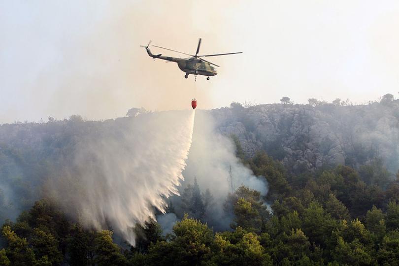 Повлечени петте хеликоптери кои требаше да гасат во Пехчево