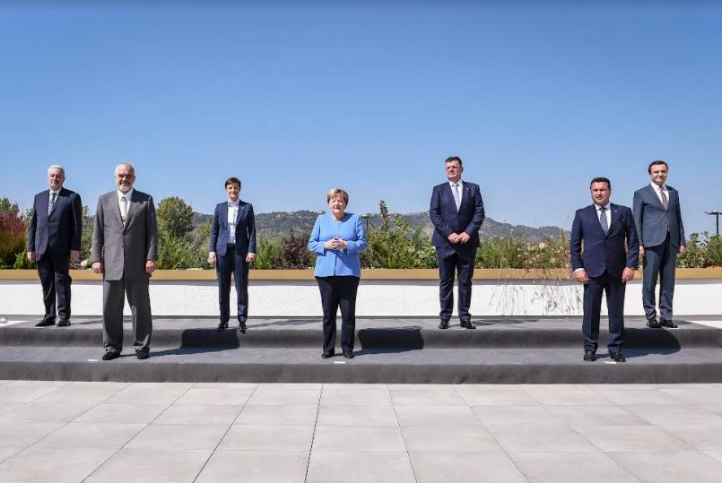 Заев – Меркел во Тирана: Северна Македонија треба да ги започне преговорите