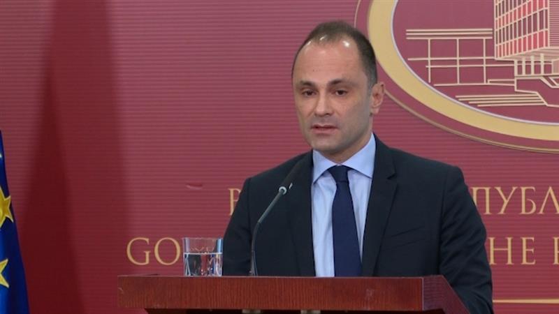 Филипче уште еднаш потврди: Не ја менуваме одлуката од октомври да се бара доказ за две дози од вакцината