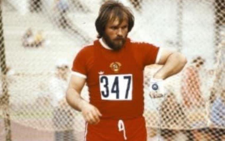 Почина светскиот рекордер во фрлање кладиво