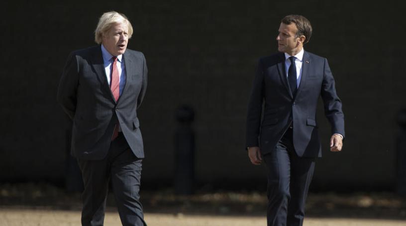 Џонсон му нуди соработка на Макрон по дипломатската криза со подморниците