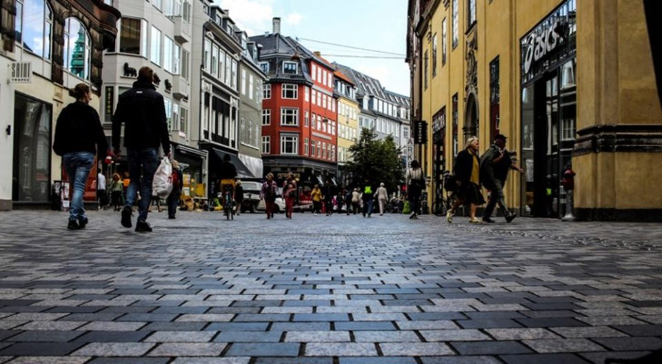 По олеснувањето на ковид-мерките, Норвешка означена како земја со висок ризик за патувања